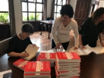 Bogota+book+signing